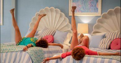 Kristen Wiig i Jamie Dornan u komediji Barb and Star Go to Vista Del Mar